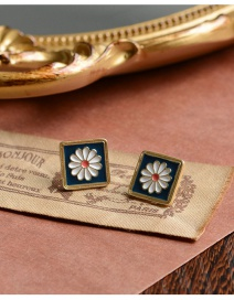 Fashion Square Flower Geometric Drip Glazed Small Daisy Relief Flower Earrings