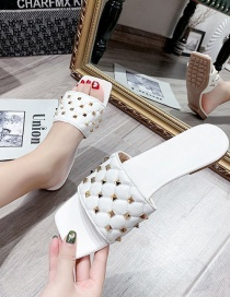 Fashion White Wear Flat Sandals And Slippers With Rivets