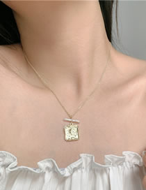 Fashion Golden Square Embossed Pearl Alloy Necklace