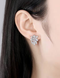 Fashion Platinum Copper Inlaid Zircon Flower Hollow Earrings