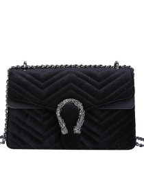 Fashion Black Velvet Embroidery Thread Chain Lacquered Edge One-shoulder Messenger Bag