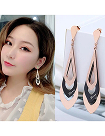 Fashion Rose Gold Color Titanium Steel Diamond Letter Contrast Geometric Earrings