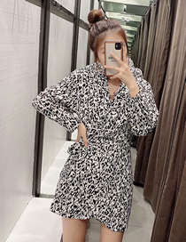 Fashion Printing Animal Print V-neck Jumpsuit