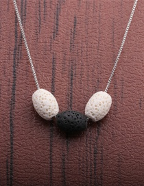 Fashion Black And White Volcanic Stone Oval Contrasting Color Yoga Necklace
