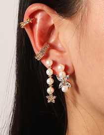 Fashion Golden C-shaped Earrings With Pearls And Diamonds