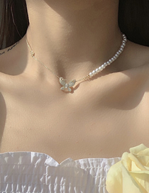 Fashion White Pearl Butterfly Necklace