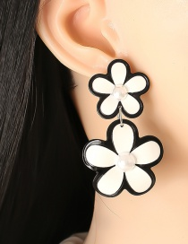 Fashion White Acrylic Flower Color Earrings