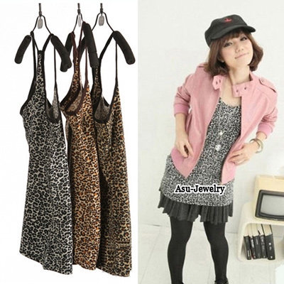 Lucky Leopard Fashion Rhinestones Leopard Pattern Cotton Tshirt