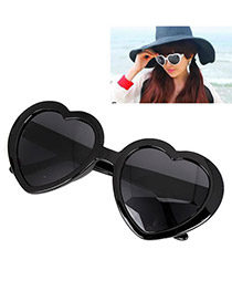Gorgeous With Black Frame Fashion Heart Frame Design