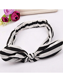 charming Black & White Stripe Pattern Decorated Bowknot Design