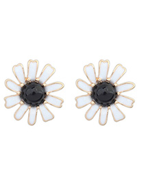 Fake Black Gemstone Decorated Flower Design Alloy Stud Earrings