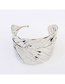 Upscale Silver Color Leaf Shape Decorated Simple Design Alloy Korean Fashion Bracelet