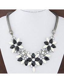 Sweet Black Gemstone Decorated Flower Shape Design