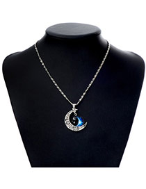 Charming Antique Silver Moon Pendant Decorated Simple Design Alloy Chains