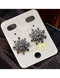 Trendy Silver Color Diamond Decorated Flower Shape Design