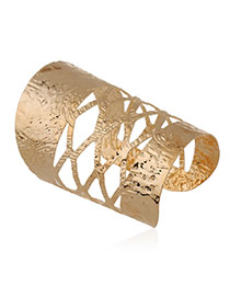 Trending Gold Color Rhombus Pattern Decorated Hollow Out Opening Design Alloy Fashion Bangles