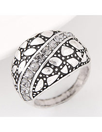 Vintage Anti-silver Geomstric Shape Diamond Decorated Simple Ring