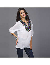 Trendy White Embroiedry Pattern Decorated Three Quarter Sleeve Loose Blouses