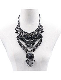 Exaggerated Black Geometric Shape Pendant Decorated Hollow Out Necklace
