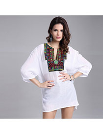 Casual White Embroidery Flower Decorated Three Quarter Sleeve V Neckline Dress