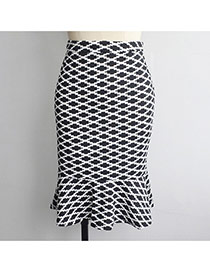 Sexy White+black Rhombus Pattern Decorated Package Hip Slim Fishtail Skirt