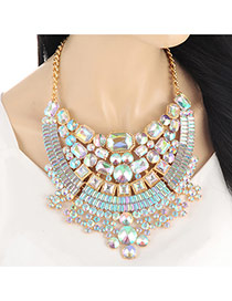 Luxury Gold Color Geometric Shape Diamond Decorated Short Chain Necklace