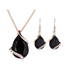 Delicate Black Diamond Decorated Oval Shape Pendant Decorated Jewelry Sets