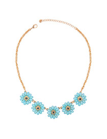 Sweet Blue Five Flowe Pendant Decorated Short Chain Necklace