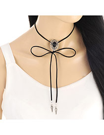 Fashion Black Hollow Out Oval Shape Decorated Simple Necklace