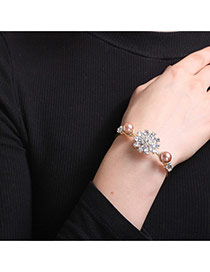 Personalized Gold Color Diamond&pearls Decorated Flower Shape Bracelet