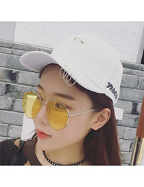 Fashion White Round Shape Decorated Pure Color Peaked Cap