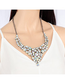 Elegant White Diamond Decorated Short Chain Simple Necklace