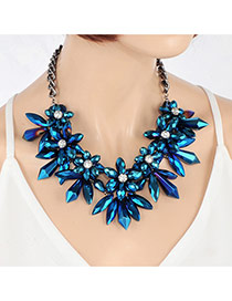 Elegant Sapphire Blue Bullet Flower Shape Pendant Decorated Short Chain Necklace