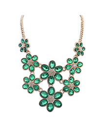 Lovely Green Flower Shape Decorated Short Chain Necklace