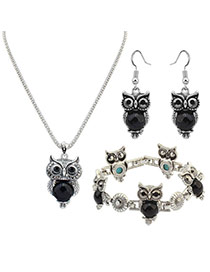 Vintage Black Owl Shape Pendant Decorated Simple Jewelry Sets