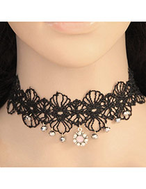 Elegant Black Diamond Flower Pendant Decorated Hollow Out Lace Flower Chocker