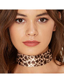 Elegant Leopard Leopard Print Pattern Decorated Color Matching Chocker