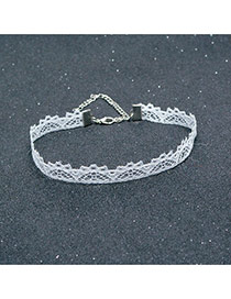 Exaggerated White Lace Flower Decorated Pure Color Chocker