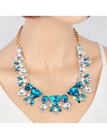 Elegant Peacock Blue Triangle Diamond Pendant Decorated Short Chain Necklace