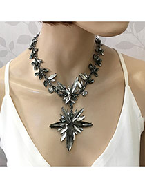 Exaggerate Gray Oval Shape Diamond Decorsted Short Chain Necklace