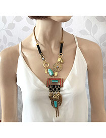 Elegant Antique Gold Geometric Shape Pendant Decorated Long Chain Necklace