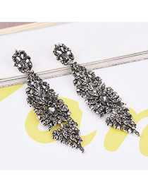 Luxury Silver Color Round Shape Diamond Decorated Simple Earrings