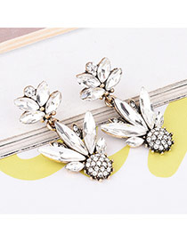 Fashion White Oval Shape Diamond Decorated Flower Shape Simple Earrings