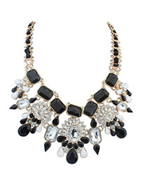Exaggerated Black Square Shape Diamond Decorated Color Matching Necklace