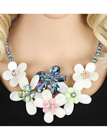 Lovely White Flower Shape Decorated Simple Short Chain Necklace