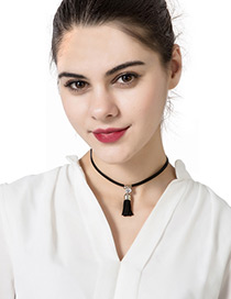 Trendy Black Diamond Decorated Tassel Design Pure Color Choker