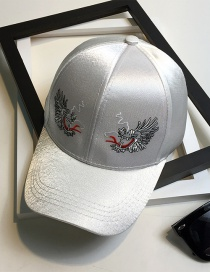 Fashion White Embroidery Dragon Pattern Decorated Baseball Cap